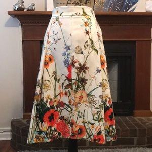 Zara skirt size M US floweral